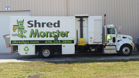 2012 Ultra Shred Peterbilt